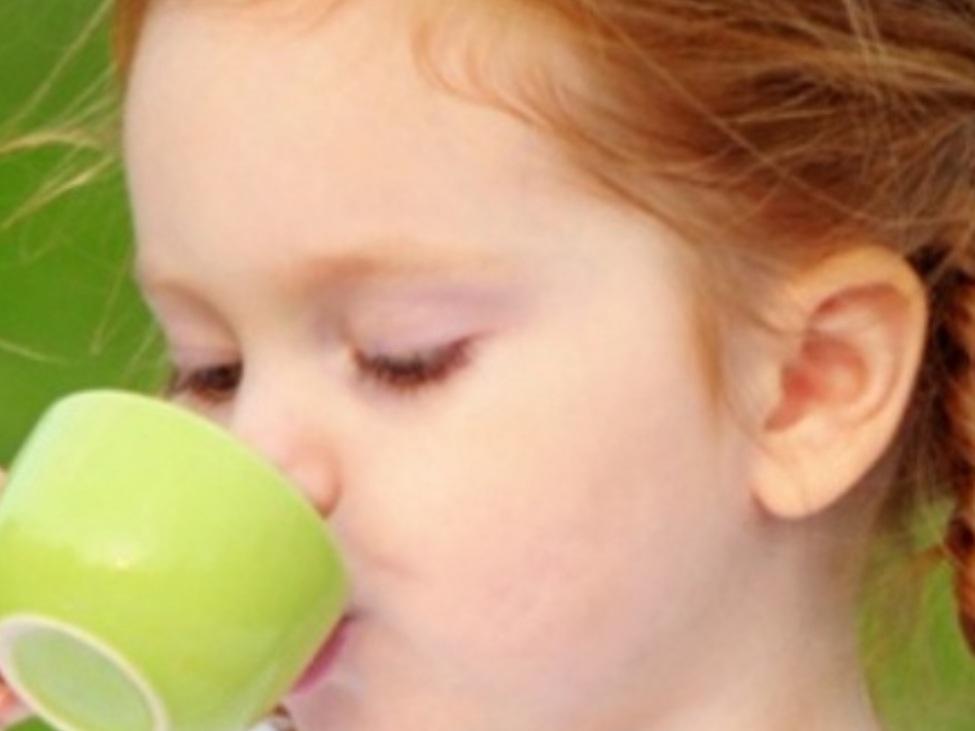 Trẻ Em Uống Trà Atiso Đà Lạt Có Tốt Không